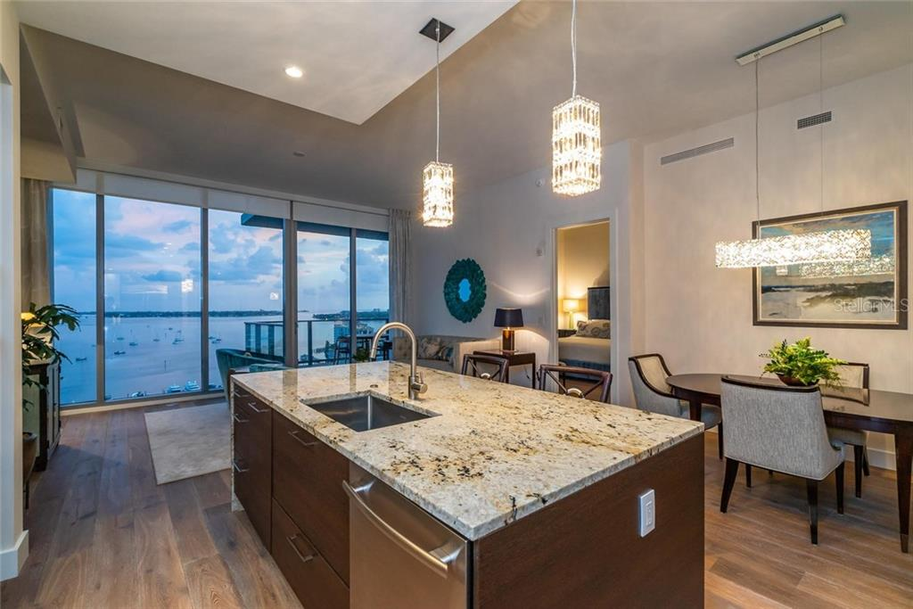 Condo for sale at 1155 N Gulfstream Ave #1706, Sarasota, FL 34236 - MLS Number is A4411015