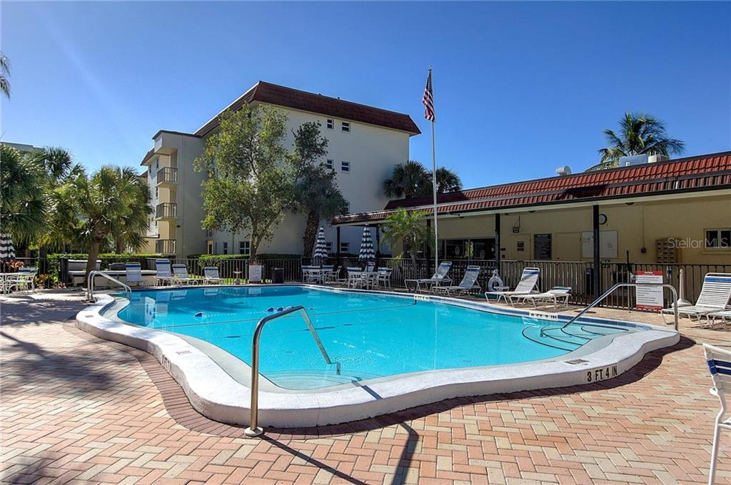 La Siesta Pool and Clubhouse - Condo for sale at 925 Beach Rd #107b, Sarasota, FL 34242 - MLS Number is A4413716