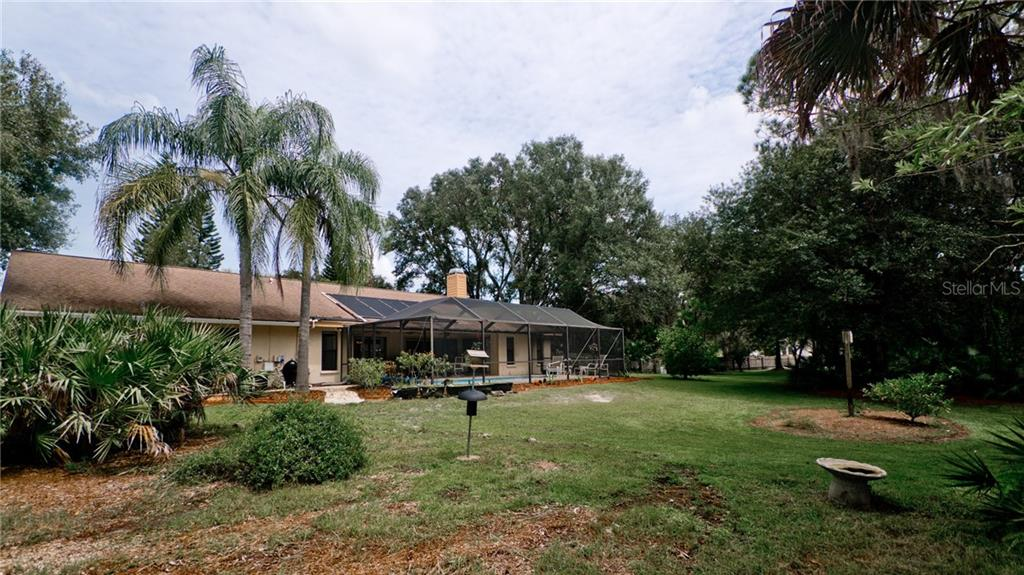 Single Family Home for sale at 702 136th St E, Bradenton, FL 34212 - MLS Number is A4414042