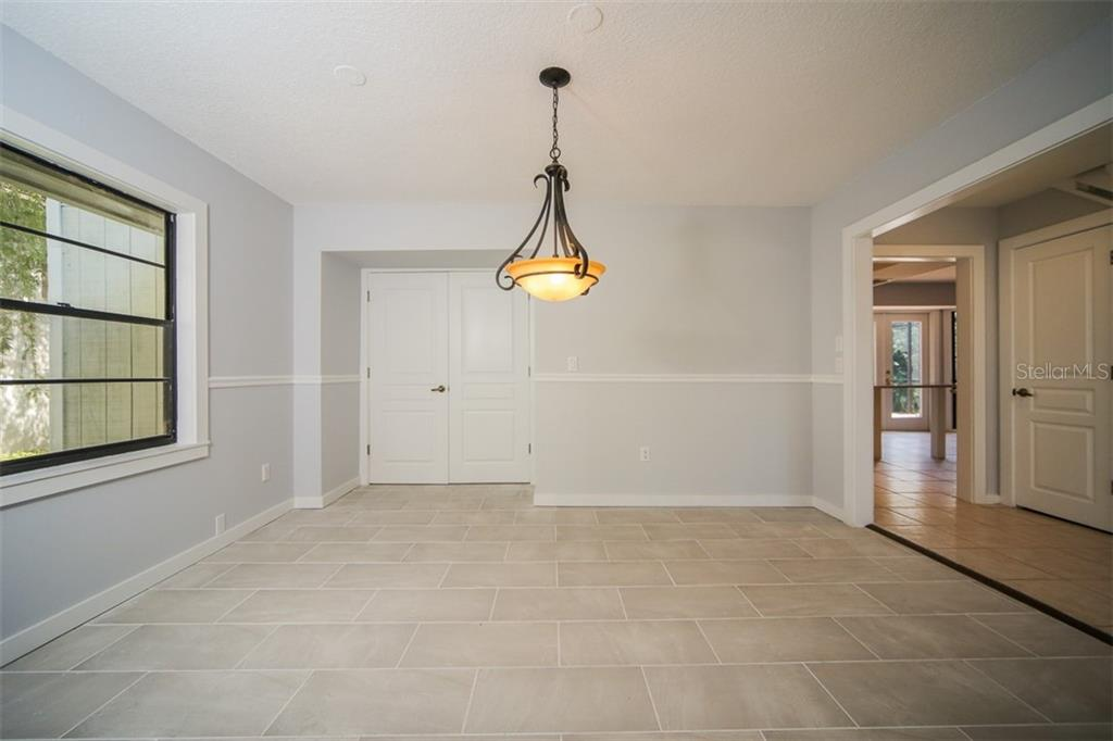 Single Family Home for sale at 3803 Bayside Dr, Bradenton, FL 34210 - MLS Number is A4414920