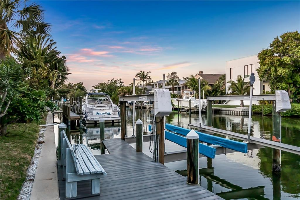 Dock & 16,000lb lift on the Grand Canal - Single Family Home for sale at 4963 Oxford Dr, Sarasota, FL 34242 - MLS Number is A4417783