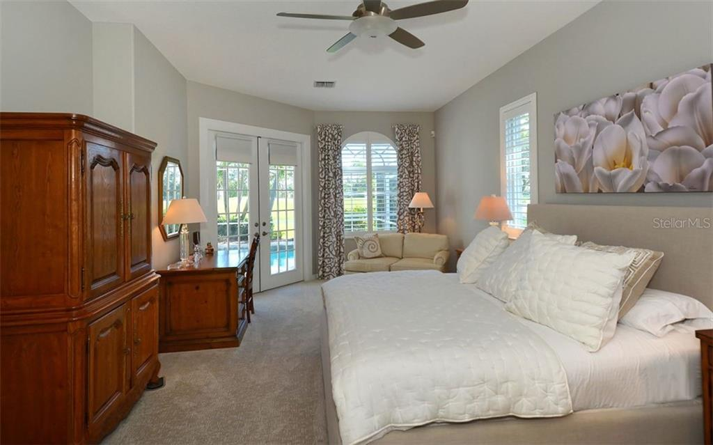 Master bedroom - Single Family Home for sale at 462 Sherbrooke Ct, Venice, FL 34293 - MLS Number is A4418225