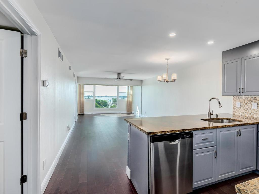 Open concept Kitchen and Living Room. - Condo for sale at 33 S Gulfstream Ave #706, Sarasota, FL 34236 - MLS Number is A4419314