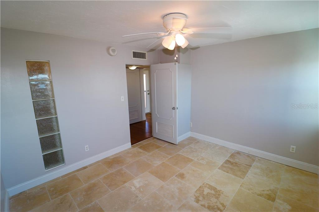 Condo for sale at 33 S Gulfstream Ave #803, Sarasota, FL 34236 - MLS Number is A4419454