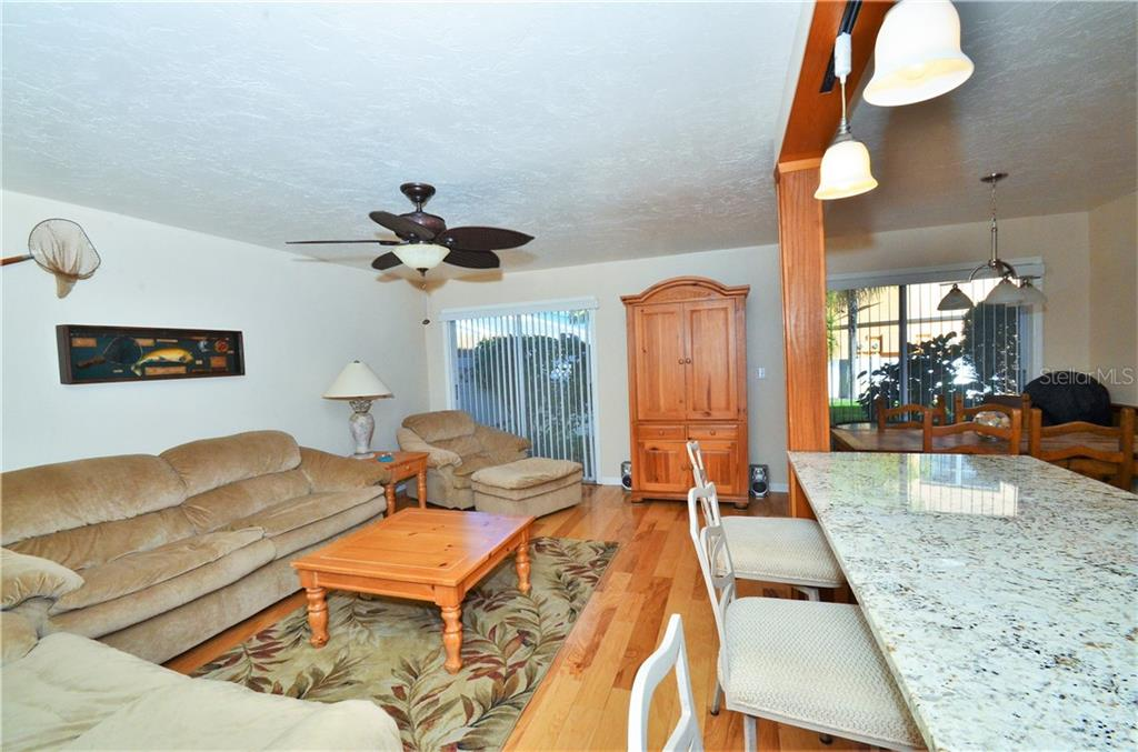 Townhouse for sale at 10125 Manatee Ave Unit B1 #b1, Bradenton, FL 34209 - MLS Number is A4420967