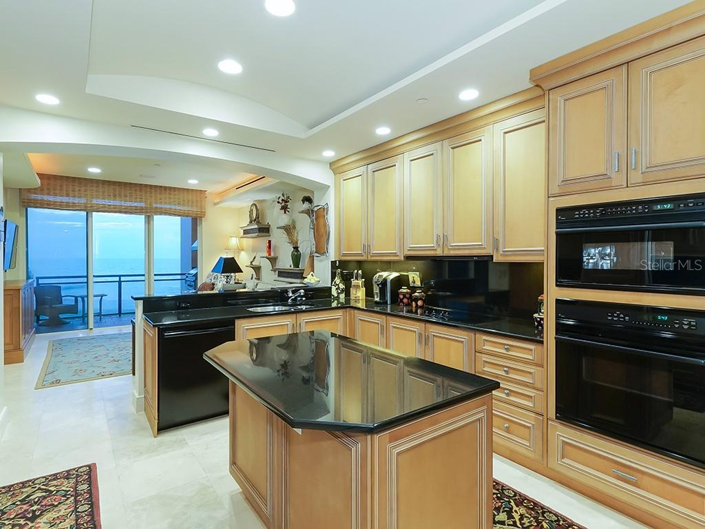Kitchen - Views of The Gulf of Mexico - Condo for sale at 2399 Gulf Of Mexico Dr #3c3, Longboat Key, FL 34228 - MLS Number is A4421722