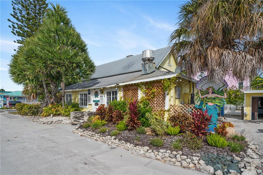 The sign of the Mermaid - Breakfast and Dinner - Single Family Home for sale at 107 Willow Ave, Anna Maria, FL 34216 - MLS Number is A4421946