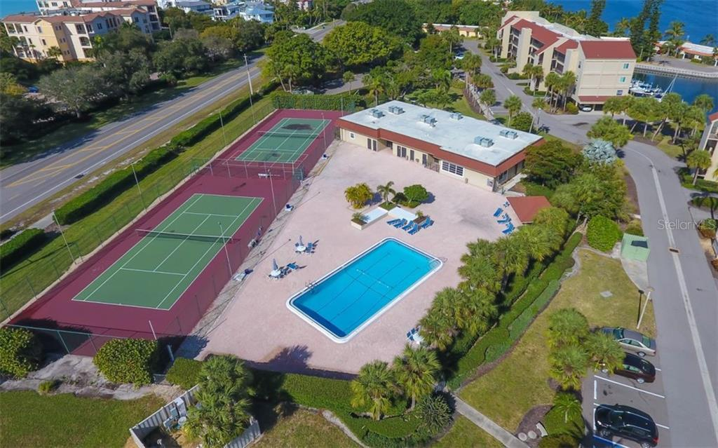 Condo for sale at 4700 Gulf Of Mexico Dr #ph3, Longboat Key, FL 34228 - MLS Number is A4422211