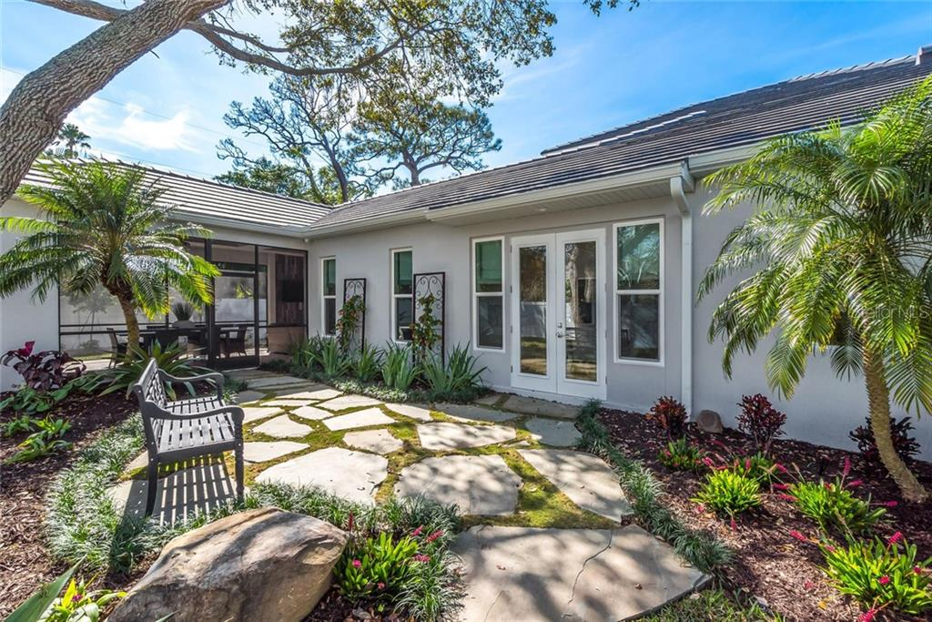 Single Family Home for sale at 4863 Primrose Path, Sarasota, FL 34242 - MLS Number is A4422737