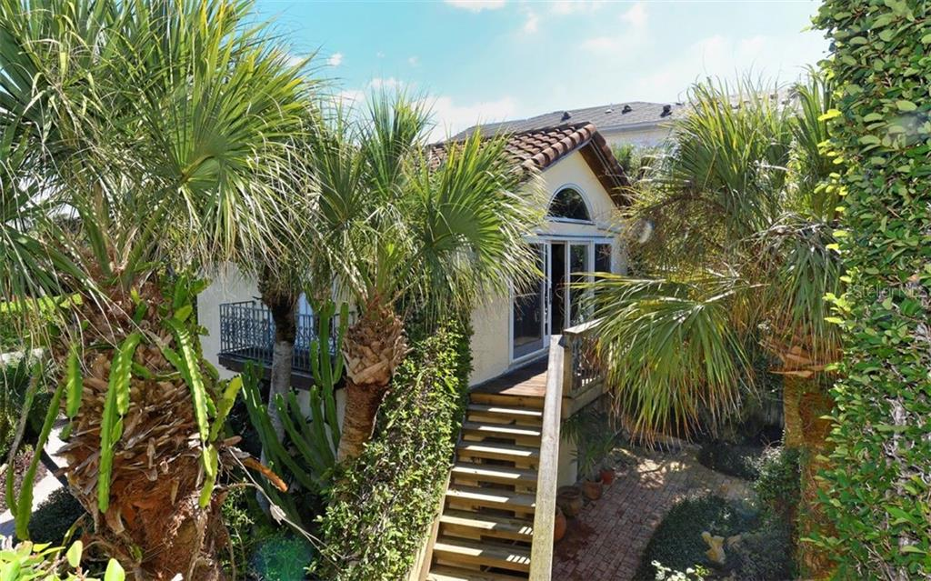 Single Family Home for sale at 121 N Casey Key Rd, Osprey, FL 34229 - MLS Number is A4425715