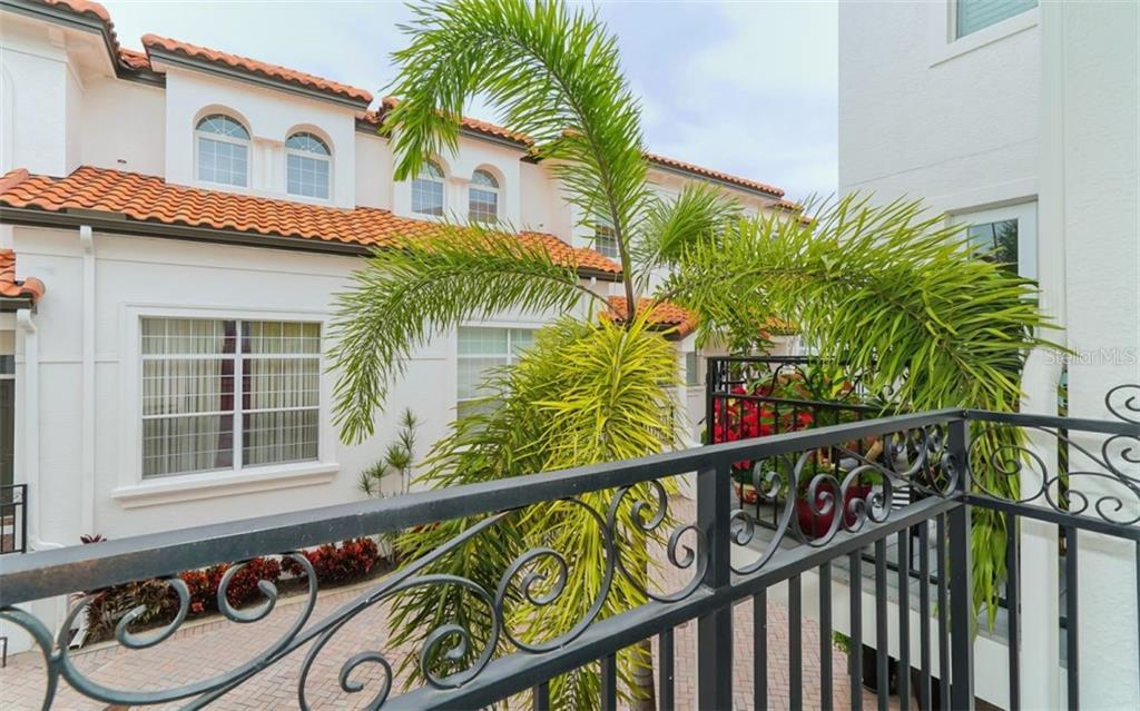 A view of the neighborhood. - Condo for sale at 1283 Fruitville Rd #a, Sarasota, FL 34236 - MLS Number is A4426039