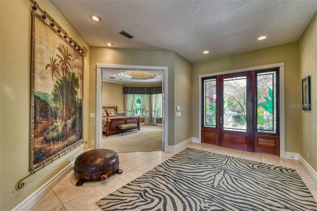 Large foyer. - Single Family Home for sale at 737 Eagle Point Dr, Venice, FL 34285 - MLS Number is A4428917