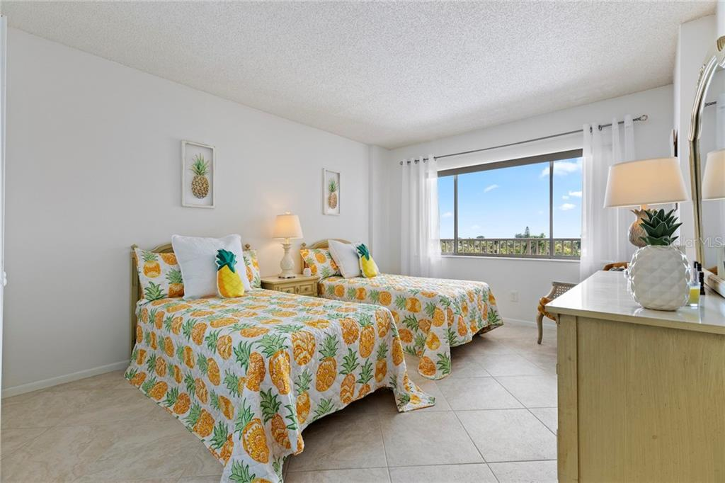 Gulf view kitchen with plenty of cabinet space! - Condo for sale at 5300 Gulf Dr #406, Holmes Beach, FL 34217 - MLS Number is A4430634