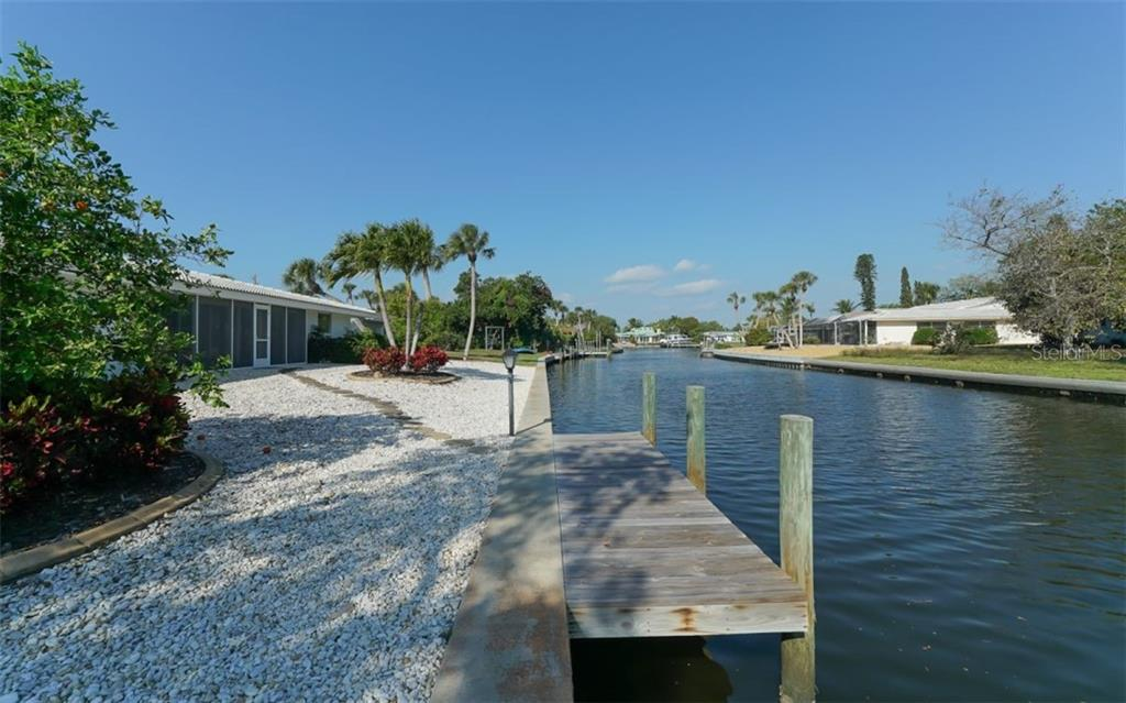 Survey - Single Family Home for sale at 935 Contento St, Sarasota, FL 34242 - MLS Number is A4431223