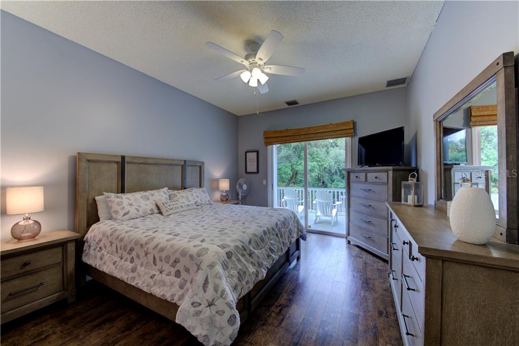 Master bedroom - Single Family Home for sale at 1202 N View Dr, Sarasota, FL 34242 - MLS Number is A4436092