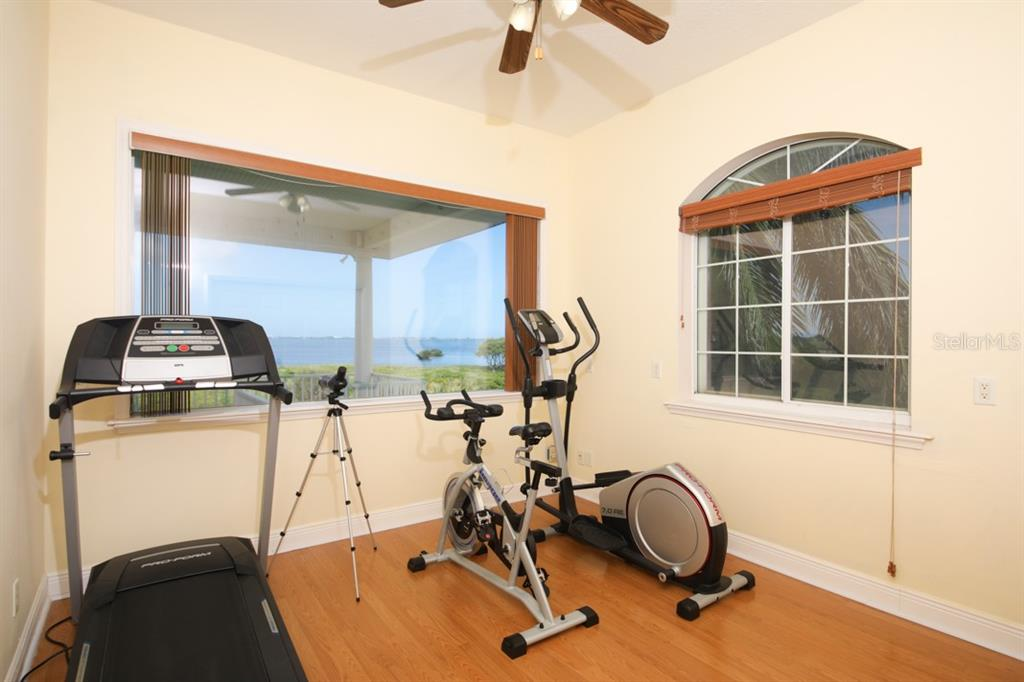 Single Family Home for sale at 7040 Hawks Harbor Cir, Bradenton, FL 34207 - MLS Number is A4437898