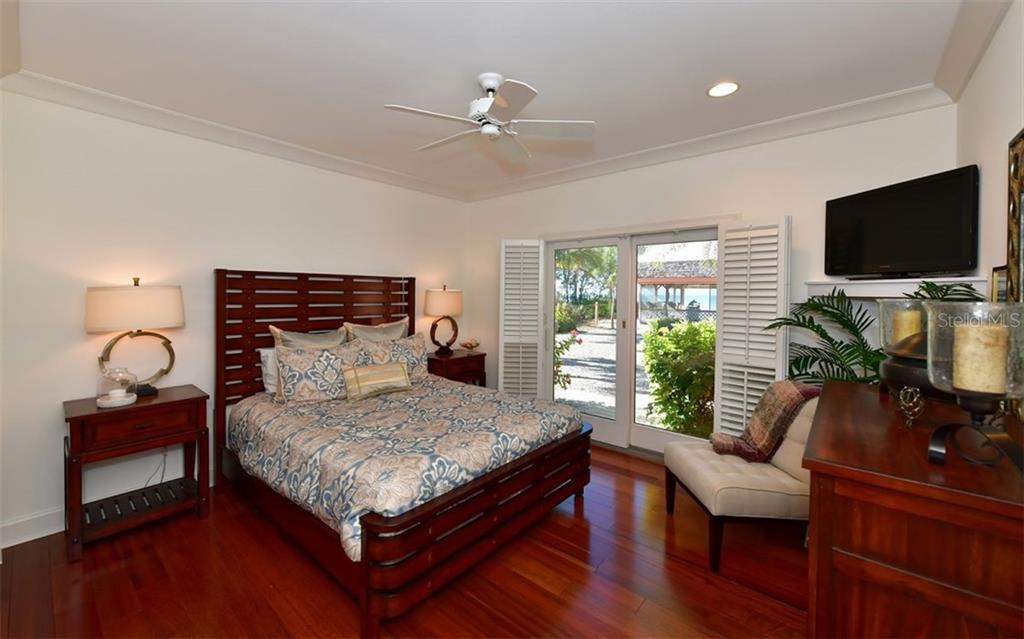 Bedroom 2 - Single Family Home for sale at 3809 Casey Key Rd, Nokomis, FL 34275 - MLS Number is A4437924