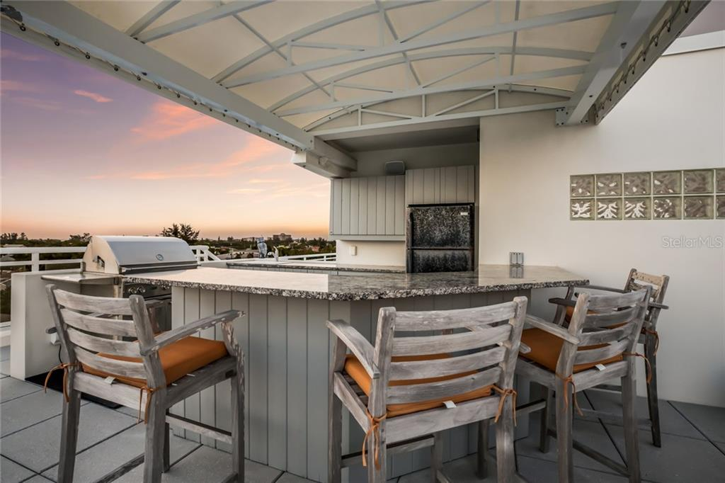 Covered Roof Top Bar. - Condo for sale at 301 Beach Rd #301-1, Sarasota, FL 34242 - MLS Number is A4438015