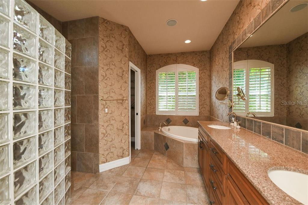 Master Bathroom - Single Family Home for sale at 7843 Crest Hammock Way, Sarasota, FL 34240 - MLS Number is A4439339
