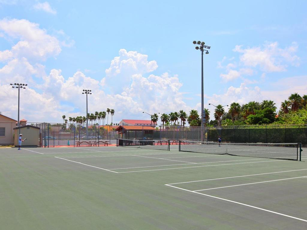 Public Tennis Courts within 1 Mile - Single Family Home for sale at 509 Beach Park Blvd, Venice, FL 34285 - MLS Number is A4441235