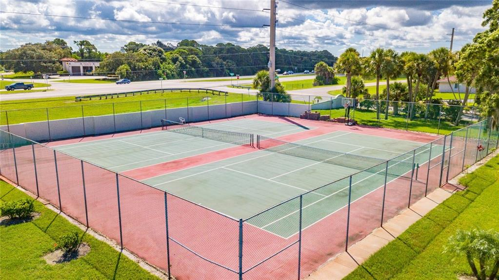 Community Tennis - Townhouse for sale at 734 Sorrento Inlt, Nokomis, FL 34275 - MLS Number is A4441958