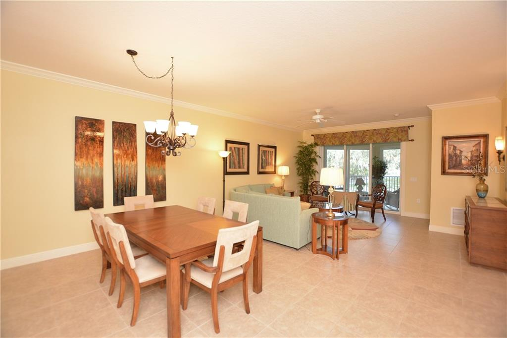 Dining Area - Condo for sale at 5304 Manorwood Dr #2b, Sarasota, FL 34235 - MLS Number is A4448585
