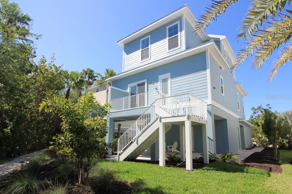Guest Bath - Single Family Home for sale at 7010 Firehouse Rd, Longboat Key, FL 34228 - MLS Number is A4449332