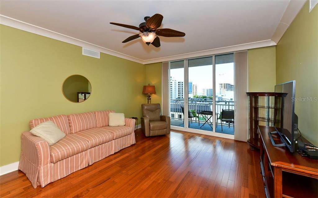 The dining area - Condo for sale at 1350 Main St #804, Sarasota, FL 34236 - MLS Number is A4451085