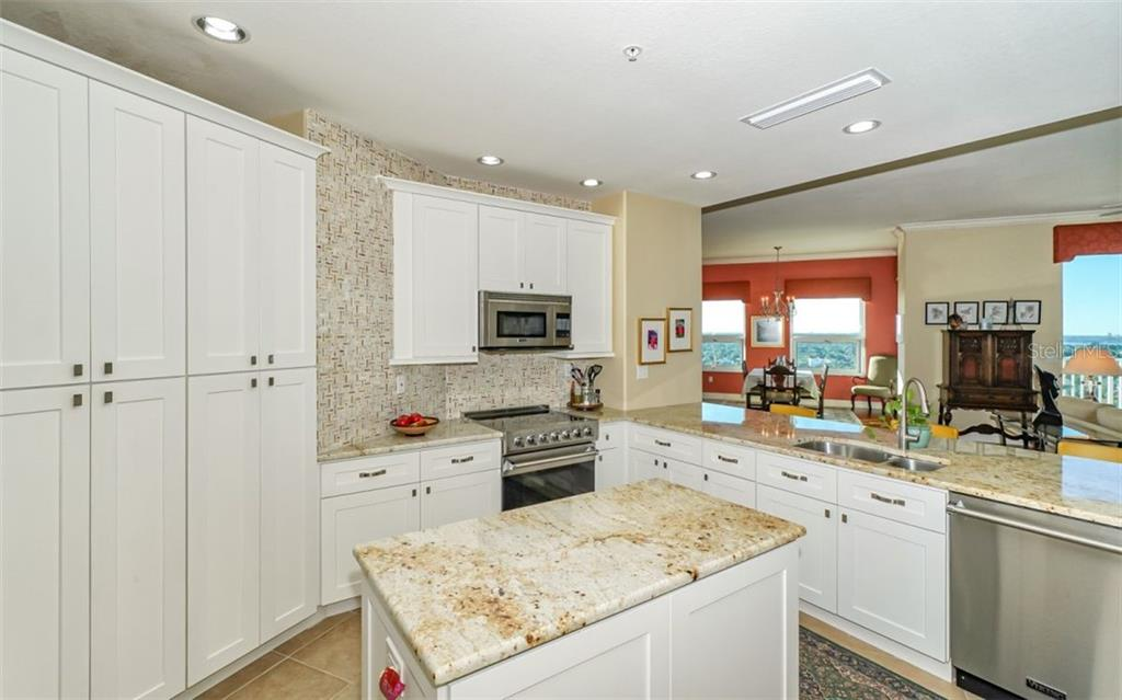 Kitchen - Condo for sale at 1771 Ringling Blvd #ph305, Sarasota, FL 34236 - MLS Number is A4455755