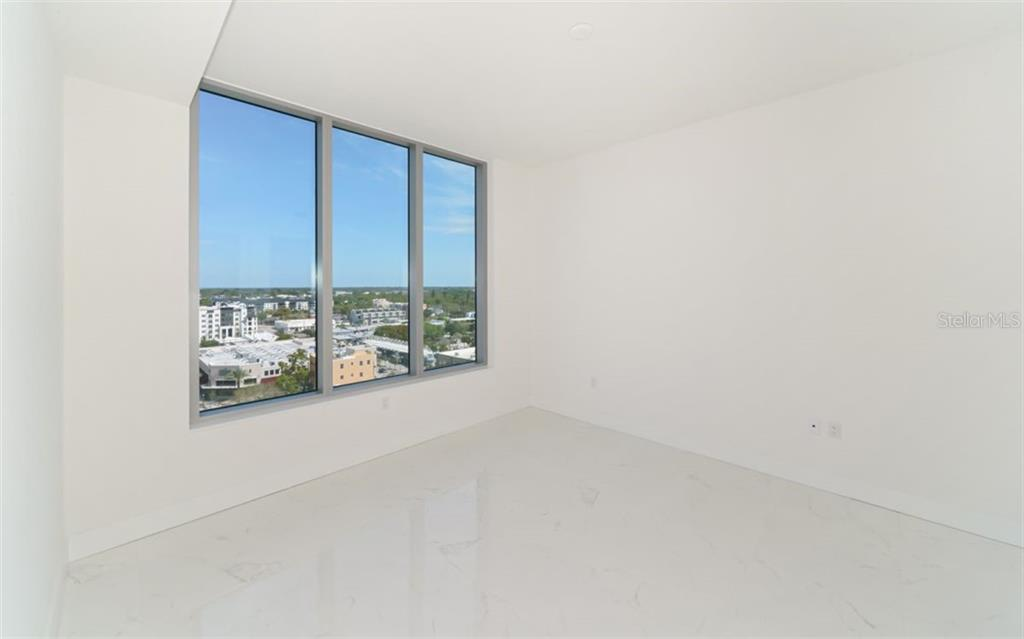 Guest room. - Condo for sale at 111 S Pineapple Ave #1117 L-1, Sarasota, FL 34236 - MLS Number is A4461778