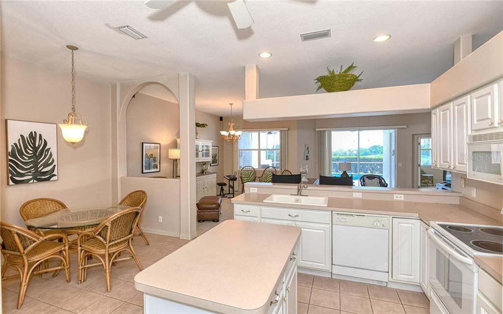 Eat in dinette - Villa for sale at 4605 Samoset Dr, Sarasota, FL 34241 - MLS Number is A4463082