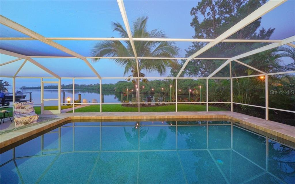 WOW! WHAT A VIEW !! - Single Family Home for sale at 3 Winslow Pl, Longboat Key, FL 34228 - MLS Number is A4464990