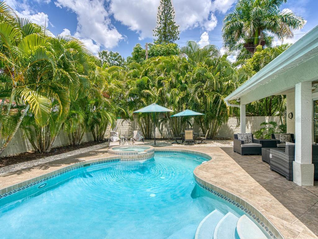 Single Family Home for sale at 3606 Bay Shore Rd, Sarasota, FL 34234 - MLS Number is A4470528
