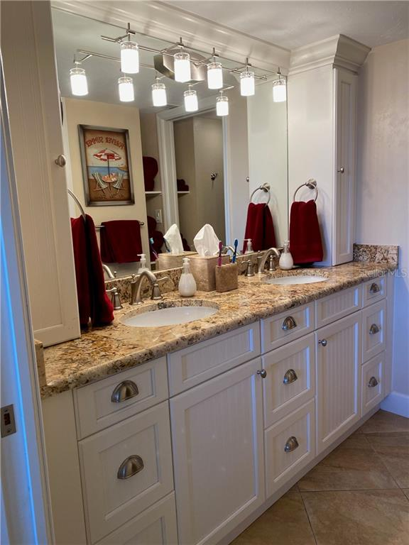 The master bath has dual sinks and plenty of storage. - Condo for sale at 5770 Midnight Pass Rd #509c, Sarasota, FL 34242 - MLS Number is A4472645