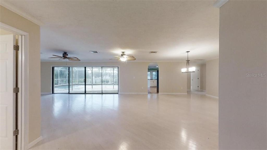 Single Family Home for sale at 141 Holly Ave, Sarasota, FL 34243 - MLS Number is A4476023