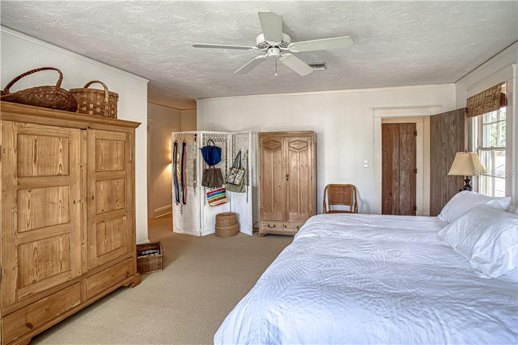 Master Bedroom - Single Family Home for sale at 1595 Bay Point Dr, Sarasota, FL 34236 - MLS Number is A4479218