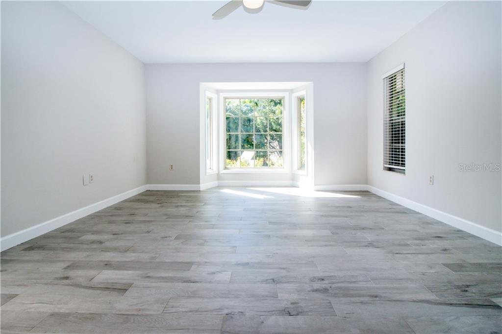 Single Family Home for sale at 320 Bob White Way, Sarasota, FL 34236 - MLS Number is A4481884