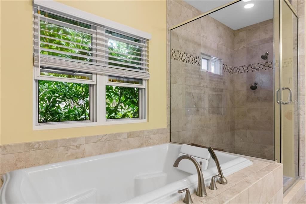 Oversized master tub & shower. - Single Family Home for sale at 1145 Horizon View Dr, Sarasota, FL 34242 - MLS Number is A4486759