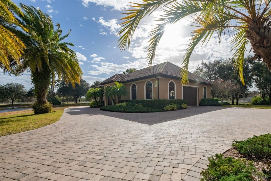Single Family Home for sale at 21210 77th Ave E, Bradenton, FL 34202 - MLS Number is A4488573