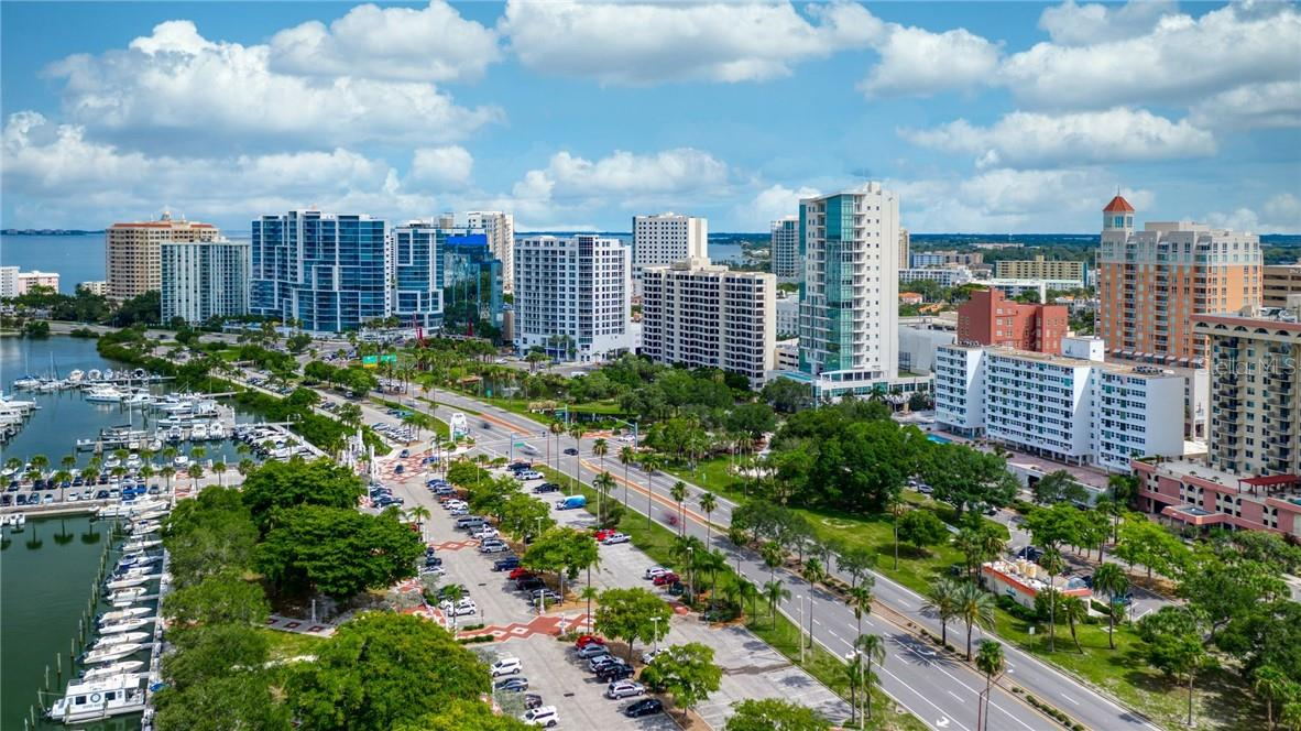 Downtown Sarasota Skyline - Condo for sale at 33 S Gulfstream Ave #405, Sarasota, FL 34236 - MLS Number is A4489097