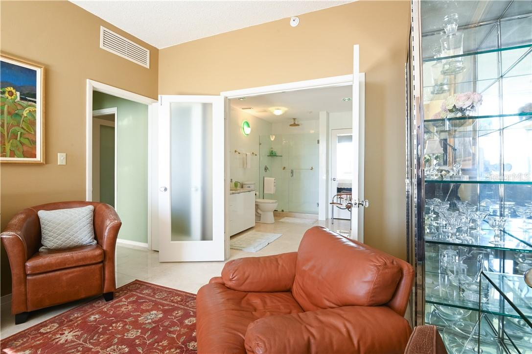 Master Bed-Room with Marble Flooring and Ceiling Fan - Condo for sale at 1945 Gulf Of Mexico Dr #M2-505, Longboat Key, FL 34228 - MLS Number is A4489188