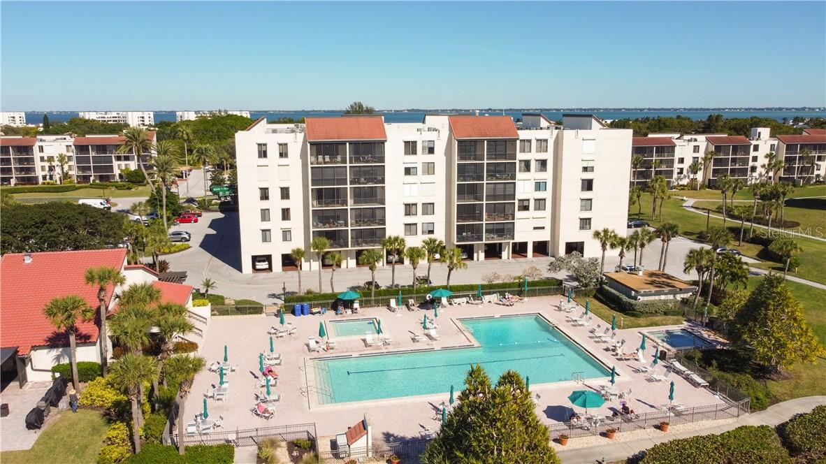 Clubhouse and Grill area for your next gathering - Condo for sale at 1945 Gulf Of Mexico Dr #M2-505, Longboat Key, FL 34228 - MLS Number is A4489188