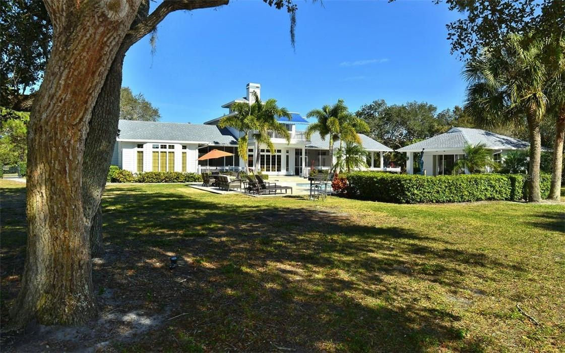 Single Family Home for sale at 411 Lychee Rd, Nokomis, FL 34275 - MLS Number is A4494863