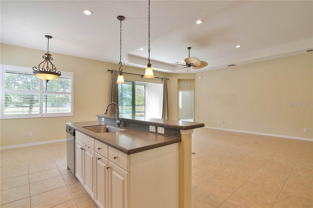 Single Family Home for sale at 11716 Cullen Park Ter, Bradenton, FL 34211 - MLS Number is A4495650