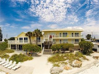 1000 Gulf Dr N #9, Bradenton Beach, FL 34217
