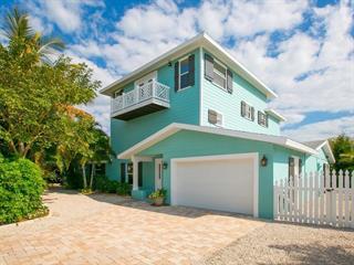 511 65th St, Holmes Beach, FL 34217