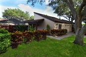 3926 Glen Oaks Manor Dr, Sarasota, FL 34232
