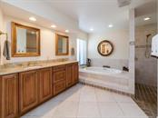 Spacious Master Bath, with garden tub and large walk in shower - Single Family Home for sale at 3959 Prairie Dunes Dr, Sarasota, FL 34238 - MLS Number is A4205907