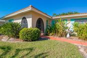 Single Family Home for sale at 7243 Antigua Pl, Sarasota, FL 34231 - MLS Number is A4486117