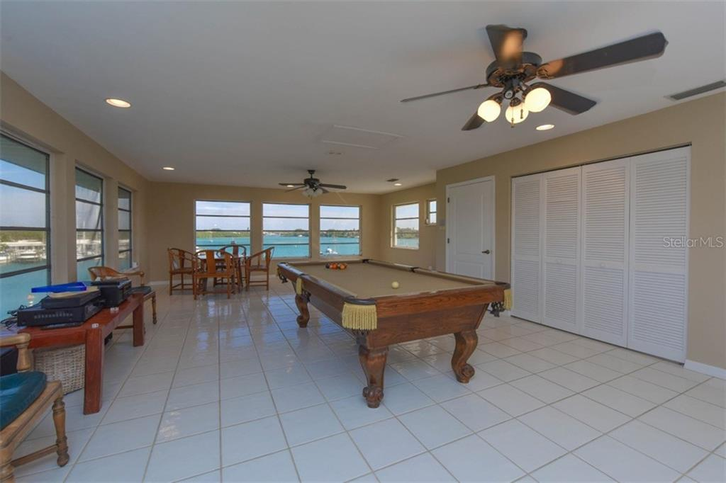Game room - Single Family Home for sale at 725 El Dorado Dr, Venice, FL 34285 - MLS Number is N5911780